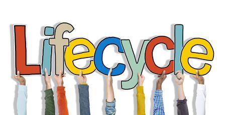 ciclo de vida: Armas Lifecycle Alzar colorido Multi�tnico Concepto Vivo