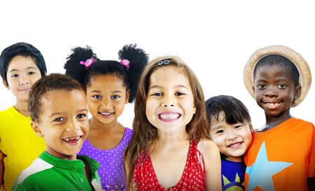 I bambini scherza la diversità Concetto Amicizia Felicità Allegro Archivio Fotografico - 39108965
