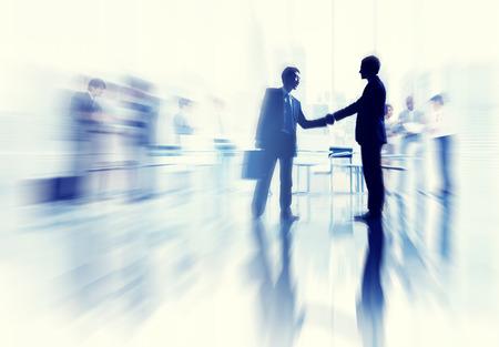 dando la mano: Conceptos de Negocios Decisión Ideas coopration comunicación Concepto