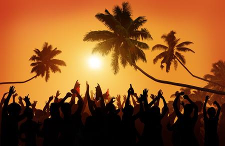 grupo de personas: Adolescencia Summer Party Beach Aire libre Comunidad Estatic Concepto Foto de archivo