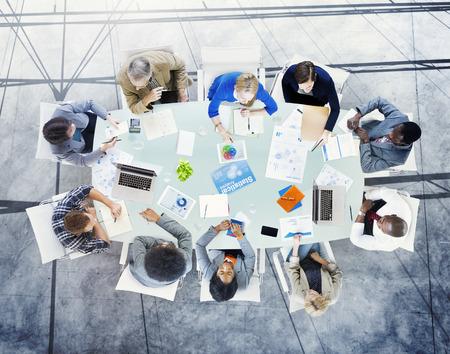 ブレーンストーミングのパートナーシップ戦略ワークステーション事業 Adminstratation コンセプトを計画 写真素材