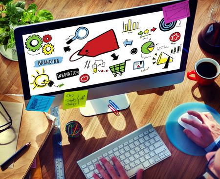 finding: Empresario Logotipos Marketing Estrategia Digital Dispositivos Concepto