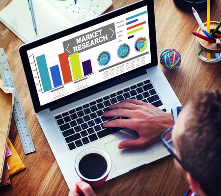 investigando: Investigaci�n del mercado Porcentaje de Investigaci�n de Mercados Estrategia Concepto Foto de archivo