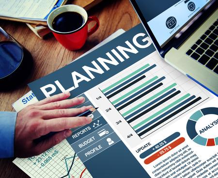 pensamiento estrategico: El hombre de negocios Planificaci�n de Trabajo C�lculo Pensar Planificaci�n Tr�mites Concepto