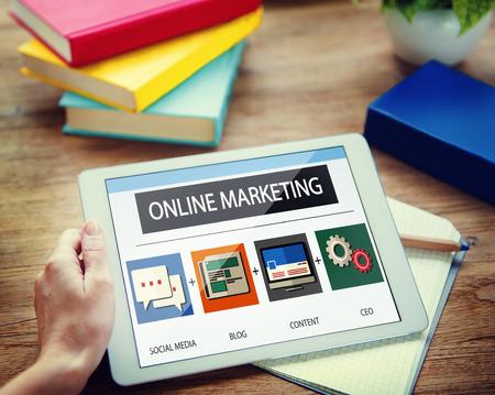 オンライン マーケティングのビジネス コンテンツ戦略ターゲット コンセプト 写真素材