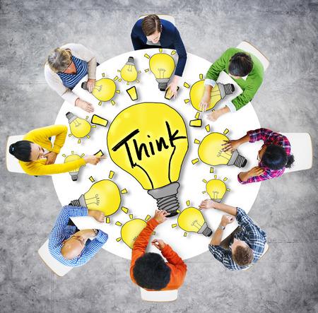 Visión aérea Gente Ideas Innovación Conceptos Motivación Think Foto de archivo - 39200255
