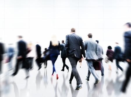 bewegung menschen: Pendler Hauptverkehrszeit Reise Waking Gesch�ftskonzept Lizenzfreie Bilder