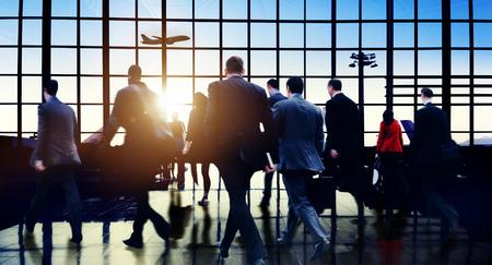 空港通勤ビジネス旅行ツアーの休暇の概念