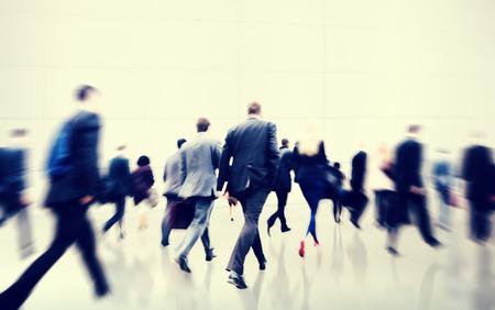 Les gens d'affaires de marche de banlieue Voyage Motion City Concept Banque d'images - 39451750