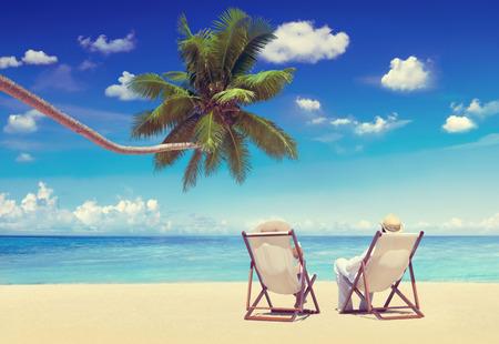 vacances d �t�: Couple de vacances D�tente Summer Holiday Beach Concept Banque d'images