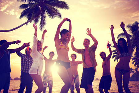 人々 の祭典ビーチ パーティー夏の休日休暇の概念 写真素材