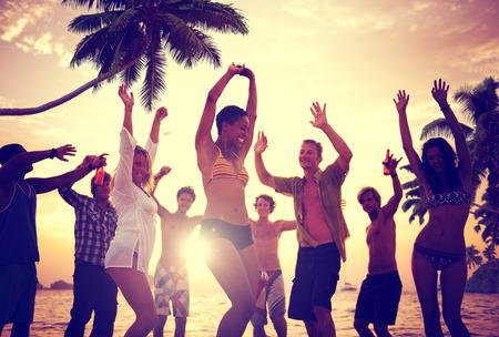 Menschen Celebration Beach Party Summer Holiday Urlaub Konzept Standard-Bild - 39452134