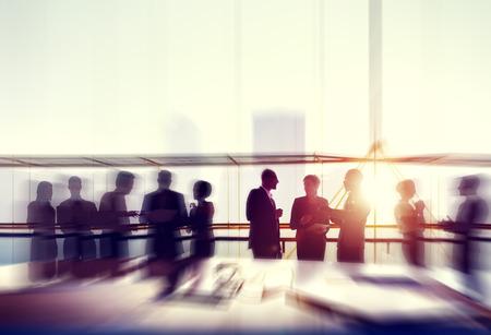 비즈니스 사람들이 회의 세미나 회의 파트너십 공동 개념