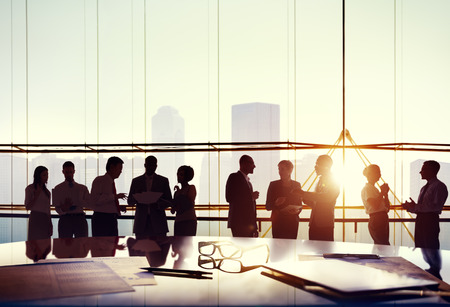 Groep van mensen uit het bedrijfsleven werken in het kantoor Stockfoto