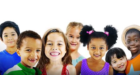 子供たちは子供の多様性友情幸福陽気なコンセプト 写真素材