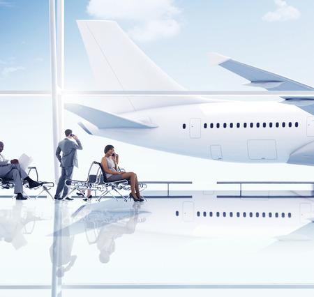 gente aeropuerto: Aeropuerto de viajes de negocios Gente de viaje Transporte Concepto de espera Foto de archivo
