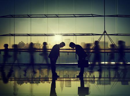 ビジネス人々 は日本文化企業の旅行の概念を尊重します。