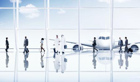 Aeropuerto de viajes de negocios Gente de viaje Transporte Avión Concepto Foto de archivo - 41192234