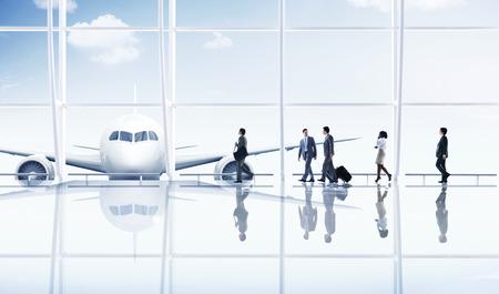 gente aeropuerto: Aeropuerto de viajes de negocios Gente de viaje Transporte Avión Concepto