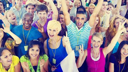 Mensen glimlachen Geluk Celebration Concert Event Opwinding Concept