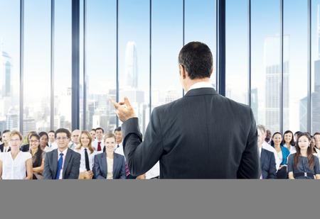 Uomini d'affari Seminario conferenze Sala riunioni concetto di formazione Ufficio Archivio Fotografico - 41189353