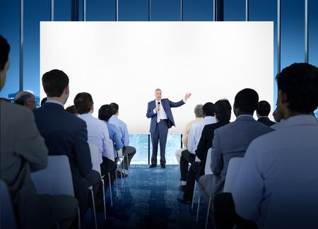비즈니스 사람들이 세미나 컨퍼런스 회의 사무실 교육 개념 스톡 콘텐츠