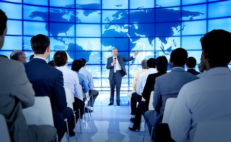 capacitaci�n: Personas de negocios Reuni�n Seminario Conferencia Oficina Concepto de formaci�n Foto de archivo