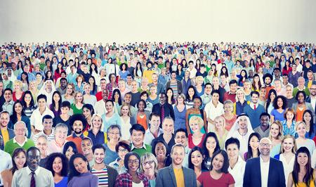 概念の多様な民族の陽気な人々 の大規模なグループ 写真素材