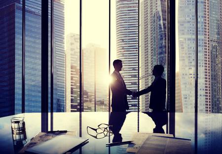 vítejte: Obchodní Handshake Dohoda o partnerství Deal Team Office Concept