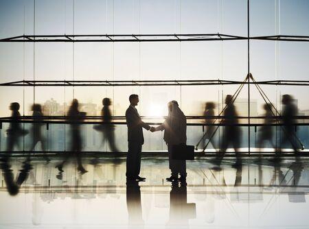 reuniones empresariales: Gente de negocios Éxito Estrategia Equipo Discusión Lluvia Concepto Foto de archivo
