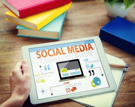 medios de comunicacion: Tecnolog�a Redes sociales Social Media Concept Conexi�n Foto de archivo