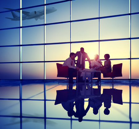 Business Team discussion Réunion l'avion décolle Concept Banque d'images