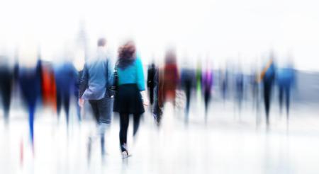 ビジネス人々 ラッシュアワー都市概念を通勤ウォーキング