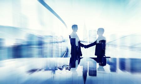 ビジネスマン握手契約サポート統一ようこそ一緒にコンセプト 写真素材