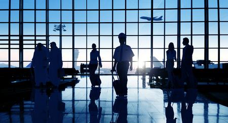 Contraluz Business People Viajando Aeropuerto Concepto de pasajeros