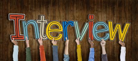 entrevista de trabajo: Grupo de manos que sostienen Entrevista Palabra Concepto