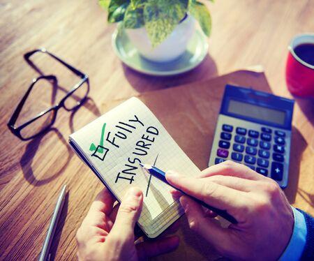 seguro: Concepto Empresario Bloc de notas totalmente Asegurado