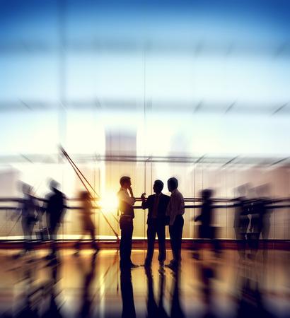 ビジネス人企業の接続ディスカッション会議コンセプト