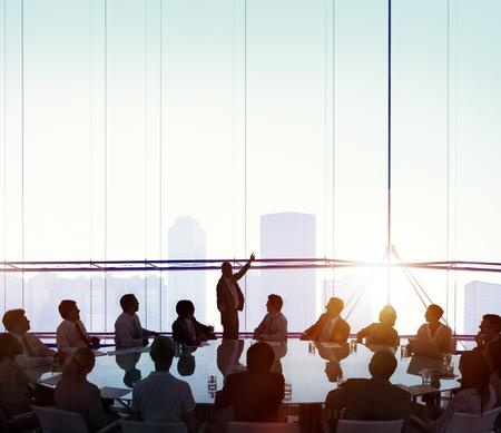concepto: Sala de reuniones de negocios Reuni�n Concepto de la direcci�n Foto de archivo