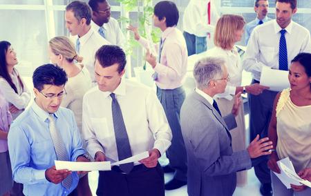reunion de trabajo: Business People Conversaci�n Comunicaci�n Hablar Team Concept