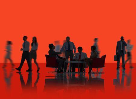 hombre rojo: Equipo Negocio corporativo Colaboraci�n Discusi�n Concepto