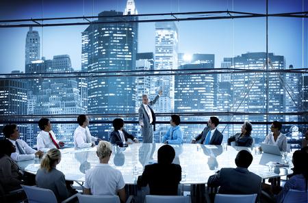 lider: Gente de negocios Conferencia de reuniones Sal�n L�der Interacci�n Concepto