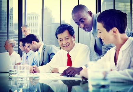 비즈니스 사람들이 다양성 팀 기업 커뮤니케이션 개념