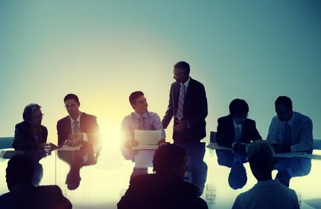 entreprise: Rencontrer des gens d'affaires de travail Travail d'équipe Concept