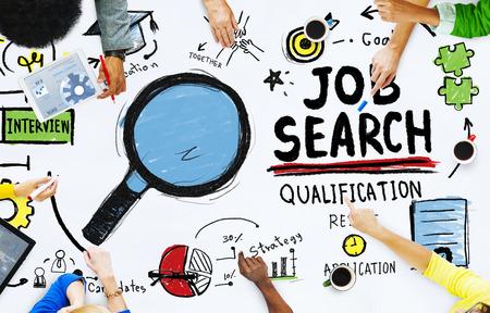 conclusion: Etnia Gente Discusión de empleo Buscar Trabajo en equipo Concepto