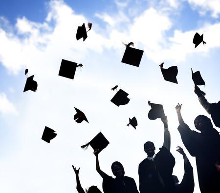 birrete de graduacion: Celebración Educación Graduación Éxito Estudiantil Aprendizaje Concepto Foto de archivo