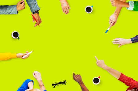 zweisamkeit: Menschen Meeting Diskussion Freundschaft Zusammenhalt Team Konzept