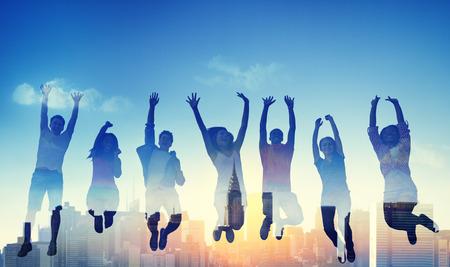 다양성 캐주얼 청소년 팀 성공 승리 개념 스톡 콘텐츠 - 41398679