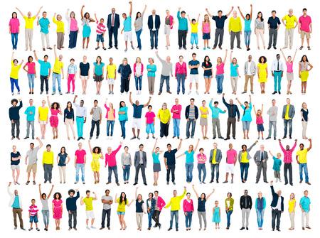 Multi-etnische Casual Mensen Saamhorigheid Viering Armen omhoog Concept