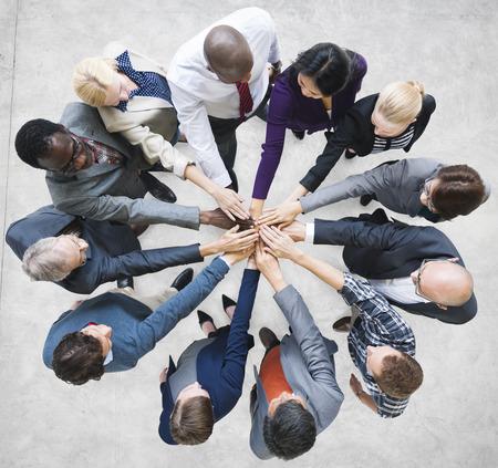 manos juntas: Equipo Trabajo en equipo Unión Comunidad Concepto Conexión Foto de archivo